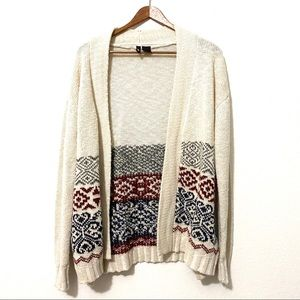 ultra flirt White Cardigan with Patterns